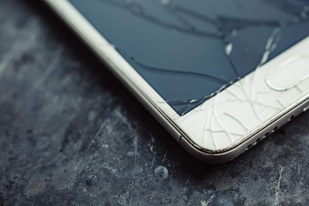 réparation d'un écran de téléphone à Rennes